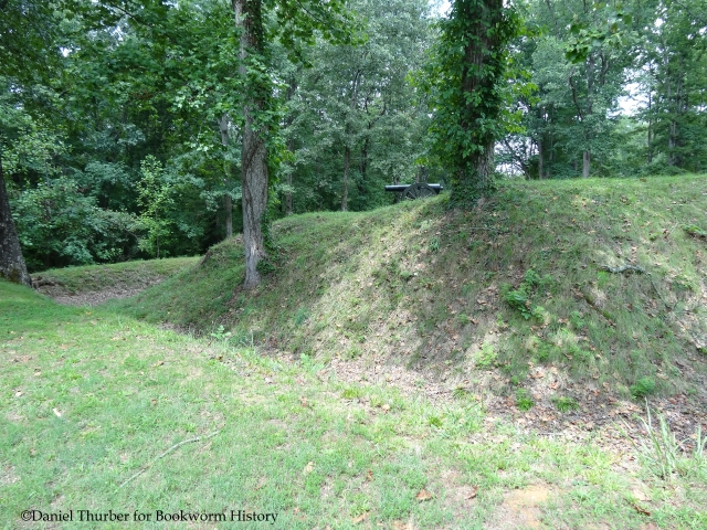 fort-donelson-original-earthworks-bookworm-history-daniel-thurber