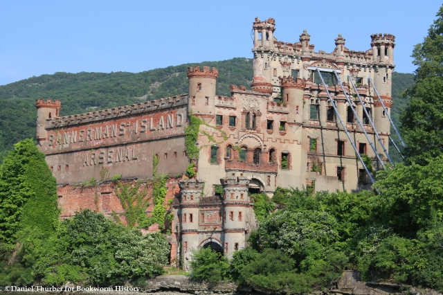 bannerman-island-bannerman-castle-pollepel-island-great-chain-hoax-west-point-chain-bookworm-history-daniel-thurber